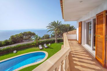 Renovierte Villa mit Blick in die Bucht von Palma de Mallorca