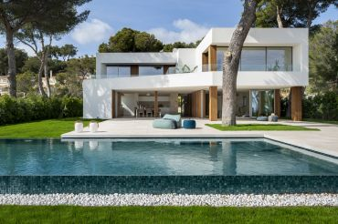 Stylish Villa with extensive views